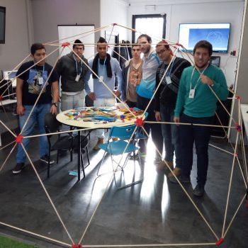 Participantes Breakers después de finalizar el montaje Domo en TecnoLab la Rueca