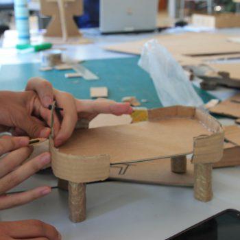 Breakers trabajando en sus prototipos