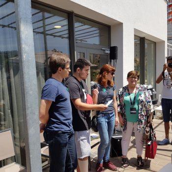 Grupo YAMakers explicando su proyecto.