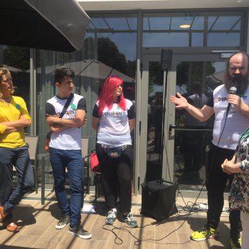 Grupo Breakers explicando su proyecto.