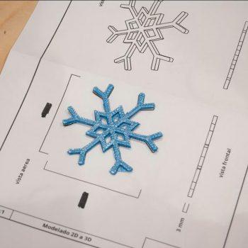 diseño impreso encima de su plano técnico